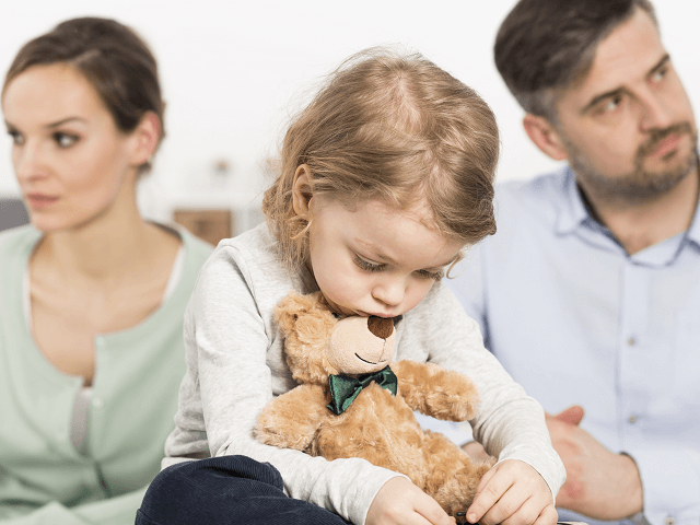 Batoľa uprostred rodičovskej hádky