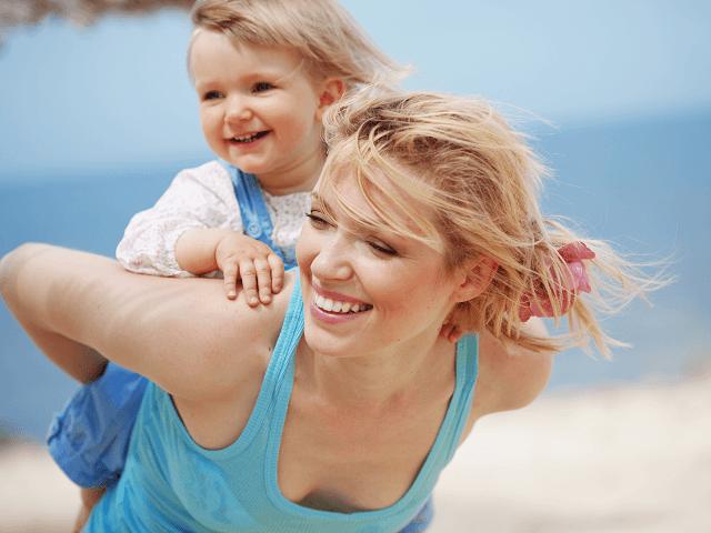 Šťastná mamina s dieťatkom